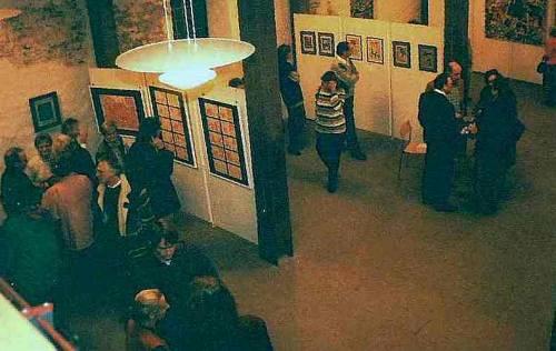 Besucher bei der 1. Kunstausstellung in der Zehntscheuer Böblingen-Dagersheim